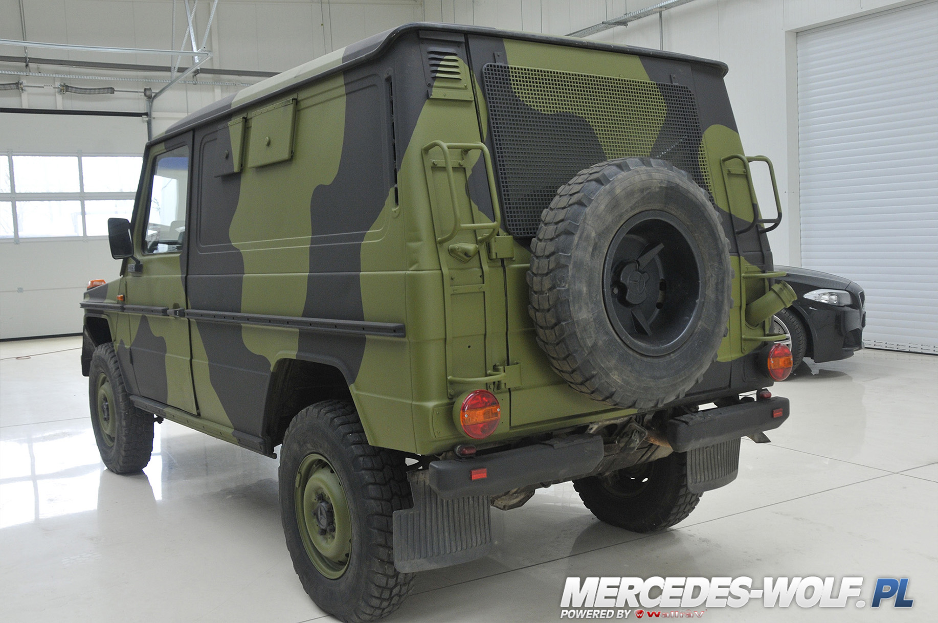 mercedes benz g 240gd 24v 10 mercedes mercedes g class g force 1 en mercedes g. Black Bedroom Furniture Sets. Home Design Ideas